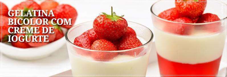 Gelatina bicolor com creme de iogurte